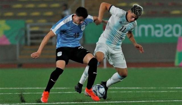 Uruguay cayó ante Argentina y jugará ante México por el bronce