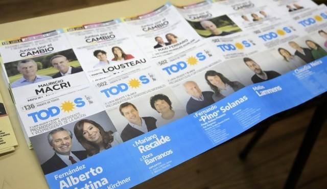 Argentina acude a primarias, ensayo de elecciones presidenciales