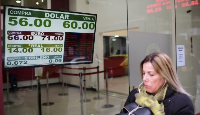 Lunes negro en los mercados de Argentina tras revés de Macri en primarias
