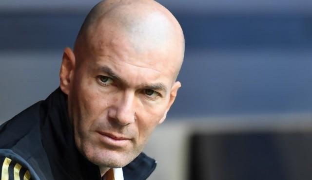 Un Zidane todopoderoso en un Real Madrid en reconstrucción