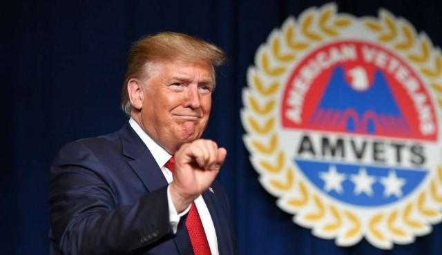 """Trump dice que contempla """"seriamente"""" terminar con ciudadanía por nacimiento"""