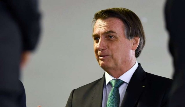 """Bolsonaro dispuesto a discutir ayuda de G7 para Amazonía si Macron """"retira sus insultos"""""""