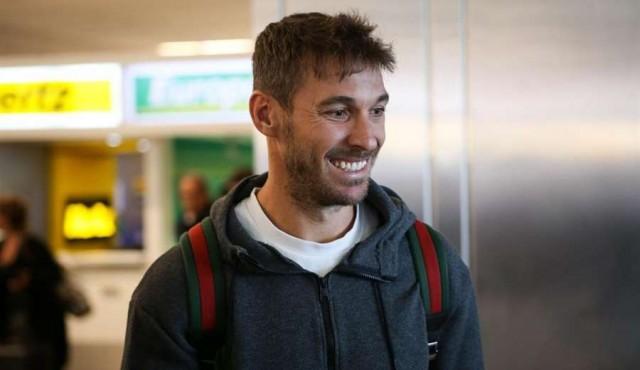 El español Xisco llegó a Uruguay y firmó con Peñarol
