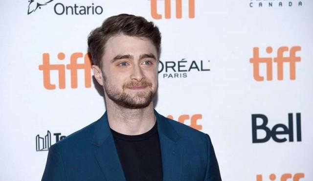 Daniel Radcliffe disputa una sanguinaria competencia en su nuevo filme
