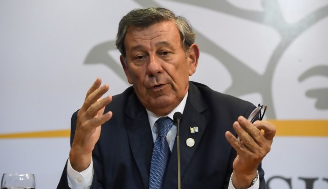 """Uruguay aboga por """"solución intermedia"""" en el caso """"María no se va"""""""