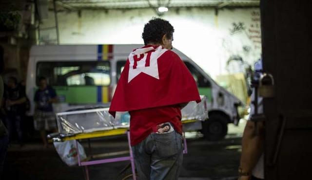 PTinder, una aplicación para personas de izquierda en Brasil