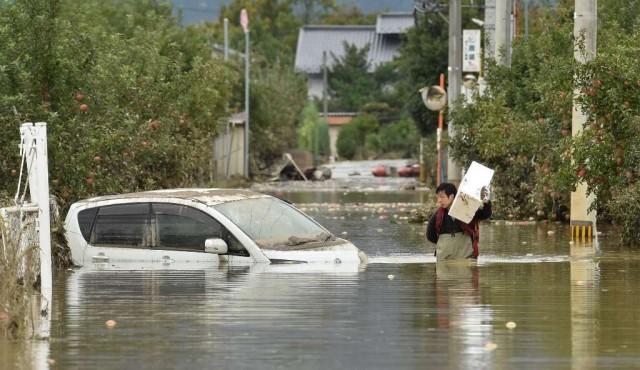 Al menos 56 muertos en Japón por el tifón, donde se prevén más lluvias