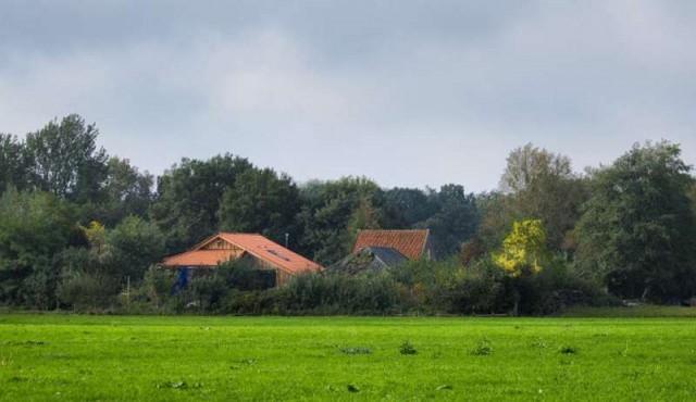El sospechoso de recluir durante años a una familia en una granja holandesa fue inculpado