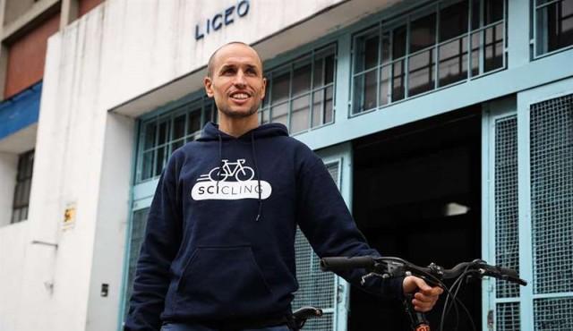 El sueño de divulgar ciencia en bicicleta