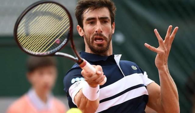 Wawrinka eliminó a Cuevas en la primera ronda de Basilea