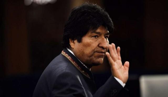 """Evo Morales renunció a la presidencia y denuncia un """"golpe cívico, político y policial"""""""