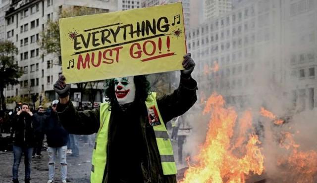 Fuertes disturbios en París en primer aniversario de los chalecos amarillos