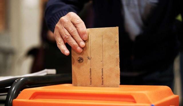 Elecciones en pandemia: no pegar el sobre con saliva