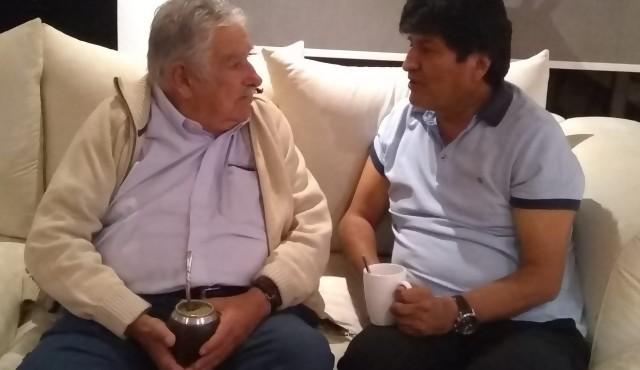 Mujica se reunió con Morales en México