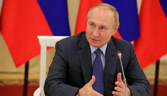 Actualidad: Putin promulga una ley que obliga al uso de software ruso
