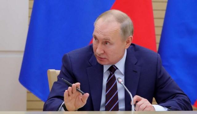 """Putin insiste en la necesidad de organizar """"la transferencia de poder en Rusia"""""""