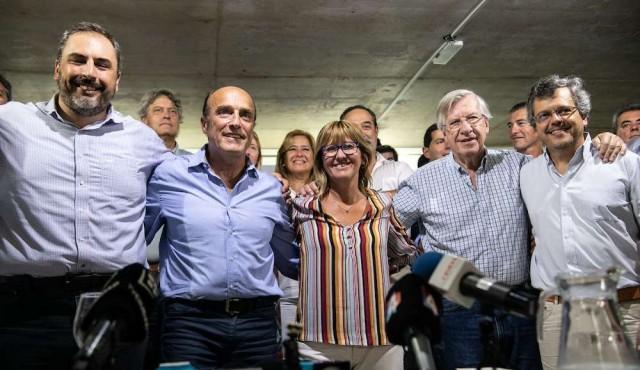 """Martínez se lanza a """"seguir encabezando la transformación de Montevideo"""""""