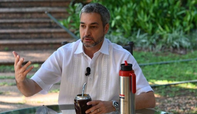 El dengue recrudece en Paraguay y alcanza al presidente, Mario Abdo