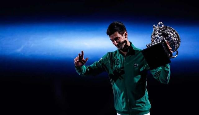 Djokovic ganó por octava vez en Australia y recuperó el número 1