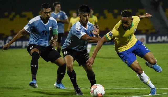 Brasil y Uruguay empatan 1-1 y dejan en suspenso su viaje a Tokio-2020