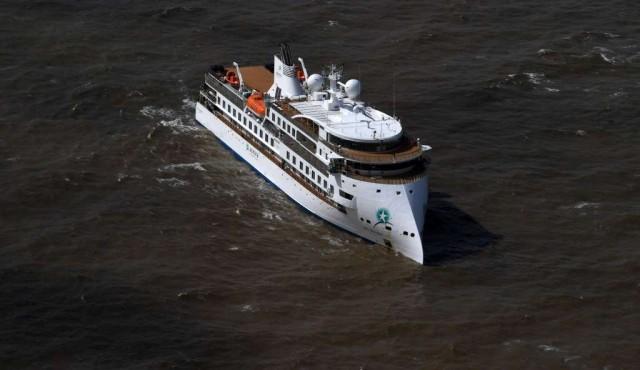Vuelo humanitario evacuará a australianos de crucero varado en Uruguay