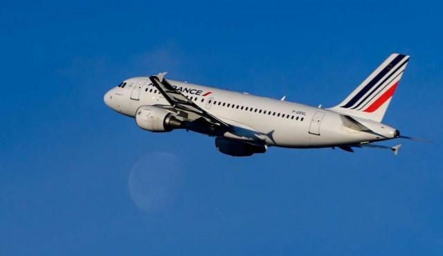 Tráfico aéreo cayó 59,2% en marzo a nivel mundial