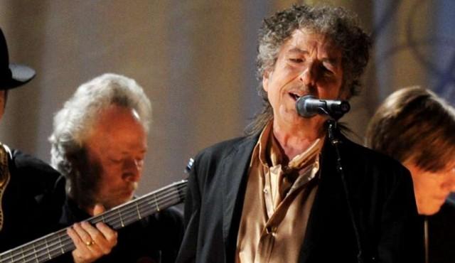 Bob Dylan lanza su primer álbum original en casi una década