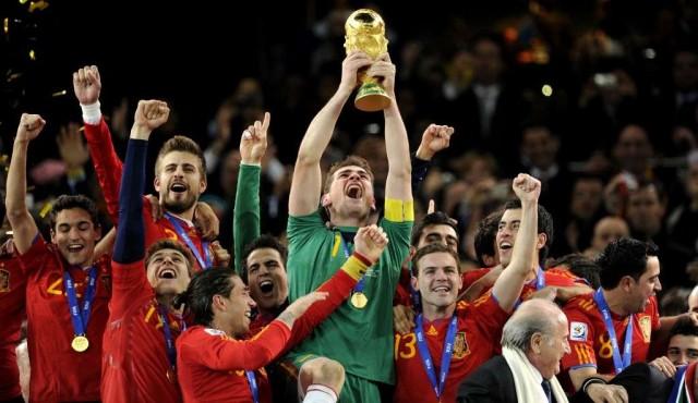 El arquero español Iker Casillas oficializa su retirada