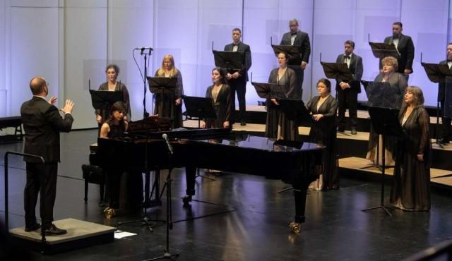 Ballet y Coro en la nueva normalidad: el desafío de bailar sin contacto y cantar con mampara