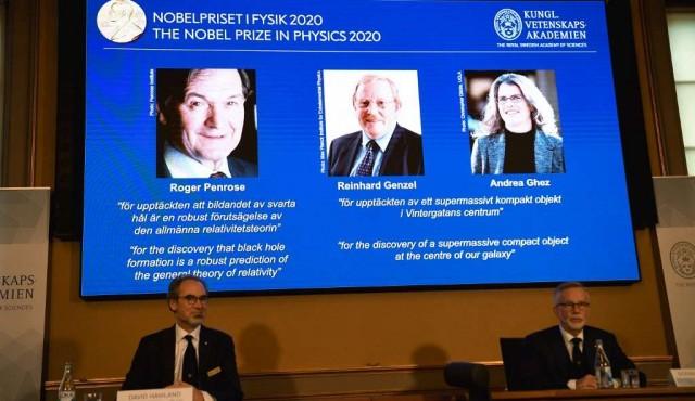 """El Nobel de Física premia a tres expertos de los """"agujeros negros"""""""