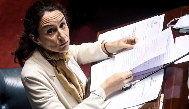"""Avanza ley sobre el teletrabajo: entre el """"ogro empleador"""" y legislar """"para actividades que no conocemos"""""""