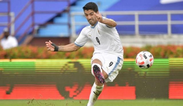 Tres nuevos positivos de covid en la Selección: Suárez, Muñoz y Faral
