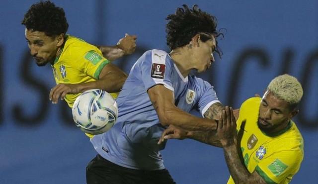 Uruguay perdió ante Brasil y quedó en zona de repechaje