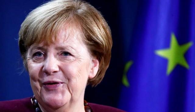 """Angela Merkel, 15 años en la cancillería y una popularidad """"inoxidable"""""""