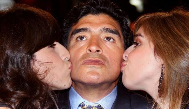 Hitos de la carrera deportiva y la vida privada de Diego Maradona