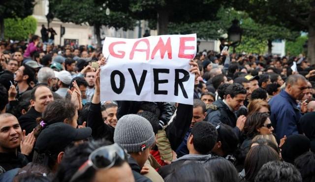 Diez años después, la Primavera Árabe sólo sobrevive en Túnez
