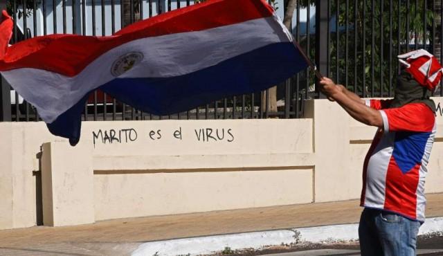 Protestas reclaman por tercer día renuncia del presidente en Paraguay