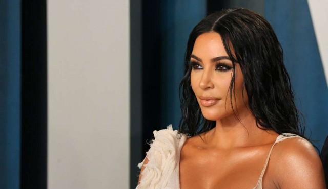 Kim Kardashian se une al club de los mil millones