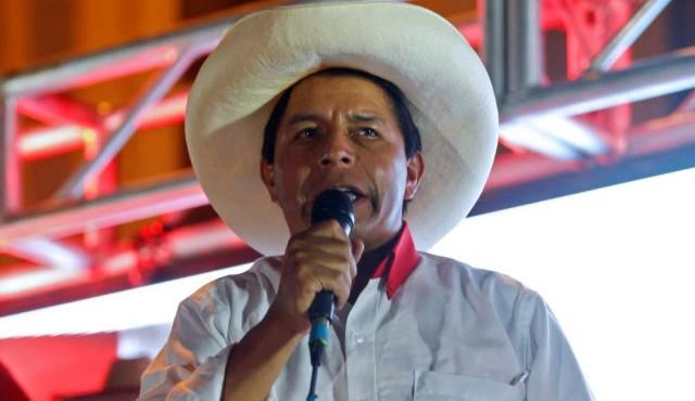 Izquierdista Castillo lidera sondeos en Perú ante derechista Fujimori