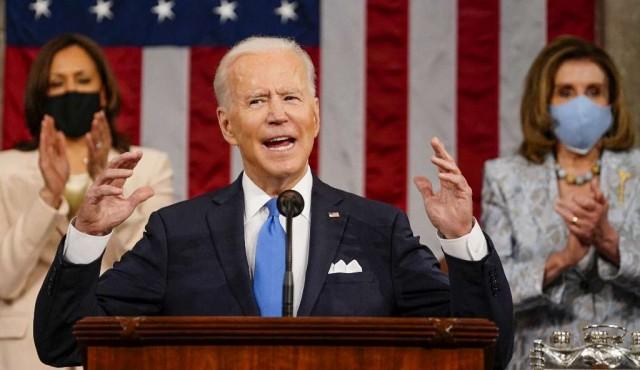 """Biden celebra que EEUU """"está avanzando de nuevo"""""""