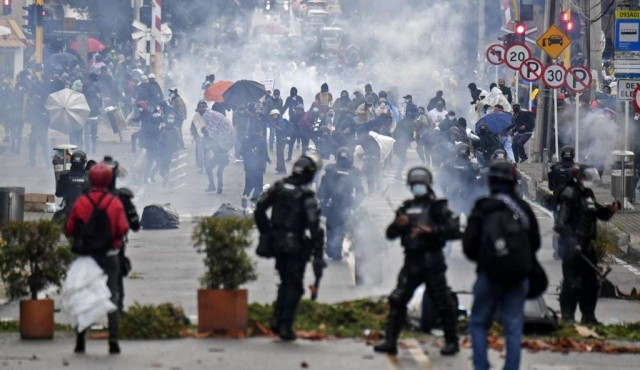 """HRW denuncia """"abusos gravísimos"""" de la policía de Colombia durante protestas"""