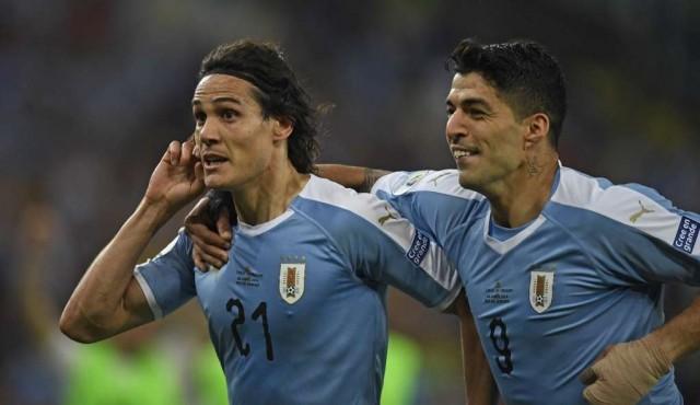 Suárez y Cavani van por devolverle el gol a Uruguay