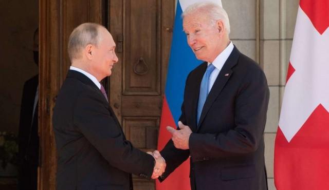"""En cumbre """"positiva"""", Biden le trazó """"una línea roja"""" a Putin"""