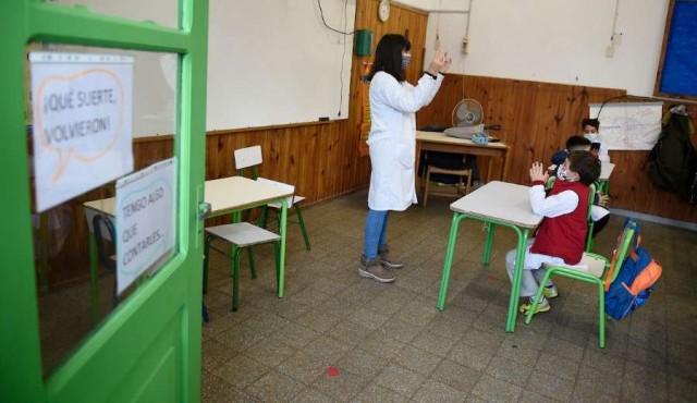 Presencialidad plena alcanza al 65% de alumnos en escuelas, según Familias Organizadas