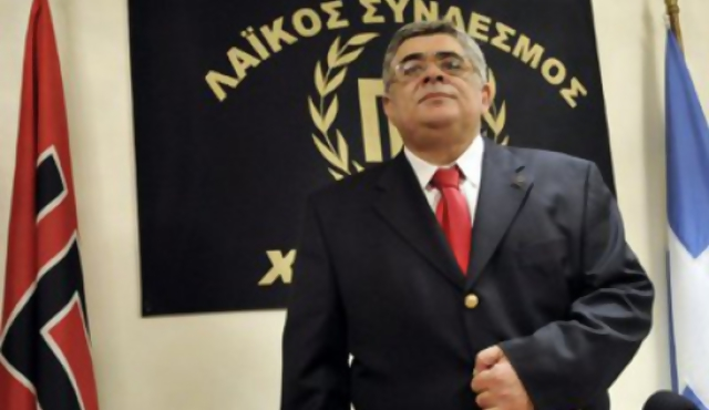 Neonazi griego niega el Holocausto