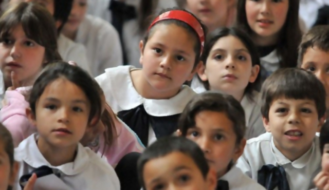 Diputados aprobó proyecto de alimentación saludable en escuelas y liceos