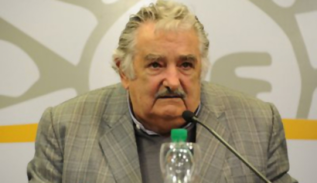 La OEA a favor de regular marihuana, Mujica dijo que no sale