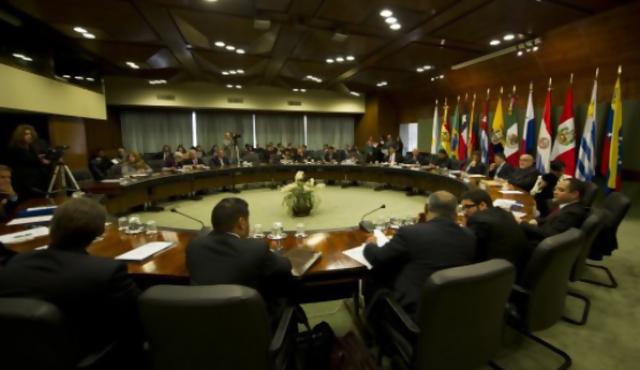 Cumbre del Mercosur debatirá asilo a Snowden