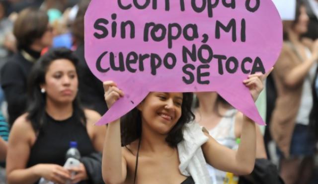 Bogotá: protesta en minifalda contra abuso sexual