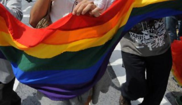 """Ser gay es """"deficiente"""""""